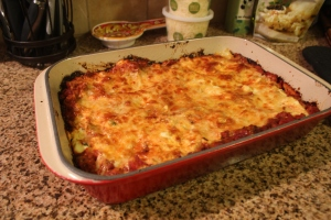 Our tradiitional dinner while decorating the Christmas tree: homemade lasagna